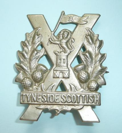 WW1 Tyneside Scottish ( 20th, 21st, 22nd, 23rd and 29th Battalions Northumberland Fusiliers ) 2nd pattern White Metal Glengarry 4th Pattern Cap Badge, introduced April 1915