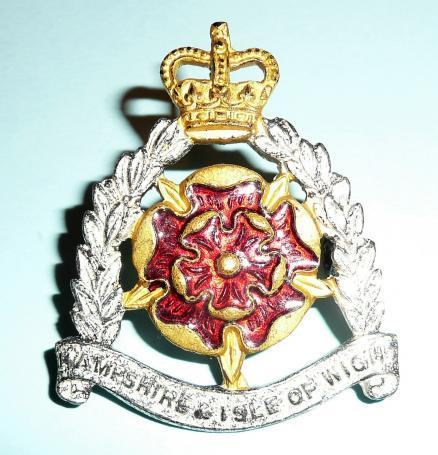 The Hampshire and Isle of Wight Territorials Officers Cap Badge, QEII Crown